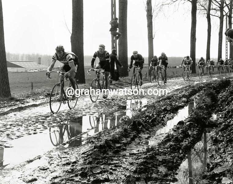 The 1983 Tour of Flanders crosses the Paddiestraat cobbles