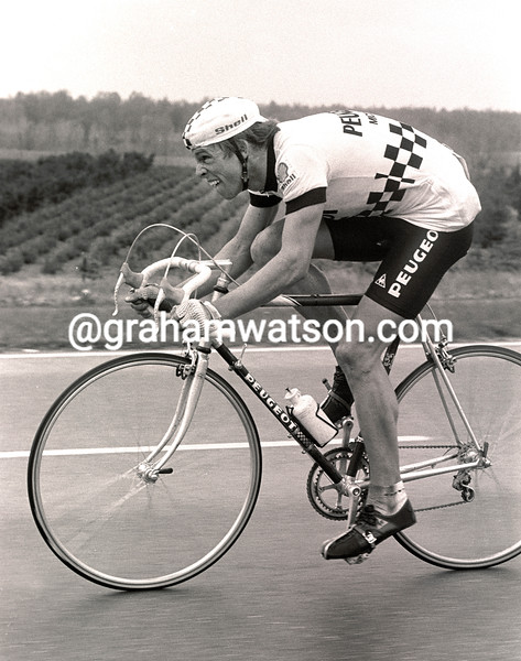 PHIL ANDERSON in the 1983 amstel gold race
