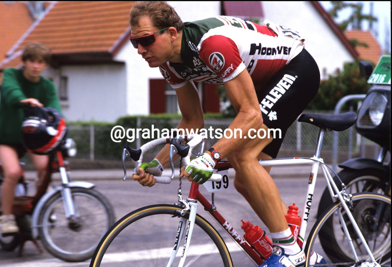 BOB ROLL IN THE 1987 TOUR DE FRANCE