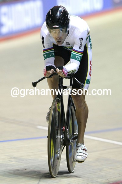BRADLEY MC GEE IN THE MENS PURSUIT COMPETITION