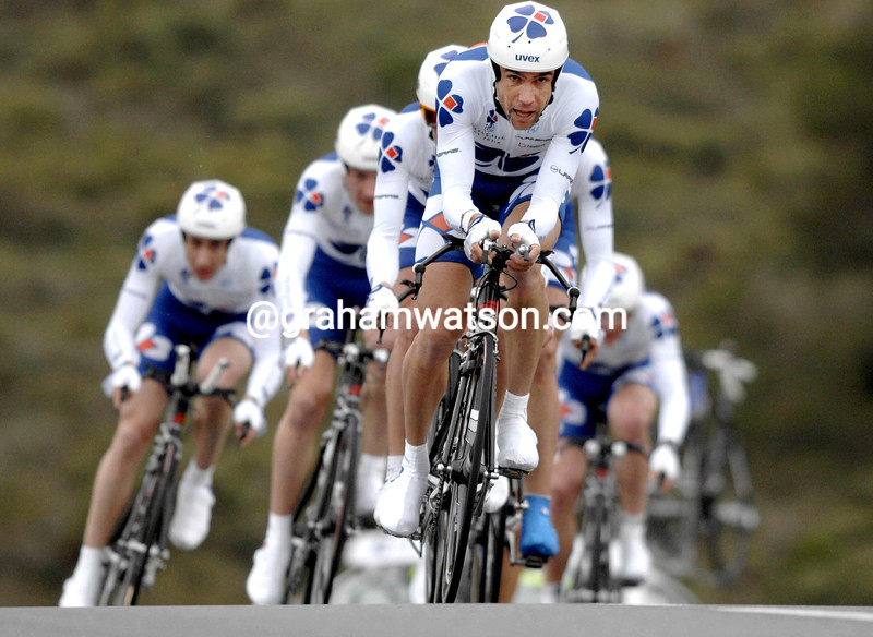 BRADLEY MCGEE LEADS THE FRANCAISE DES JEUX TEAM ON STAGE ONE OF THE 2007 TOUR MEDITERRANEAN
