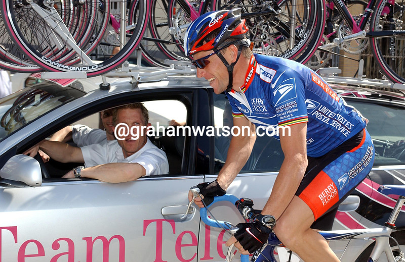 LANCE ARMSTRONG AND BRIAN HOLM AT THE 2003 TOUR OF MURCIA