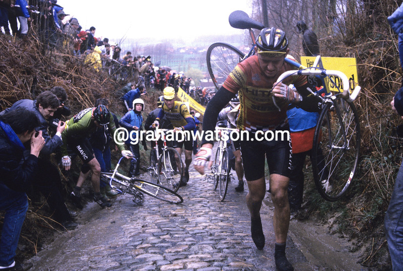 THE KOPPENBERG CLIMB IN THE 2008 TOUR OF FLANDERS
