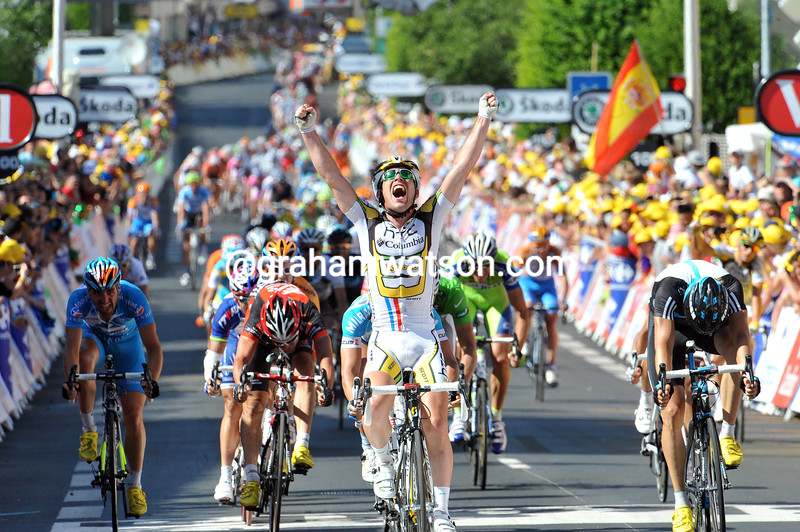 MARK CAVENDISH WINS STAGE FIVE OF THE 2010 TOUR DE FRANCE