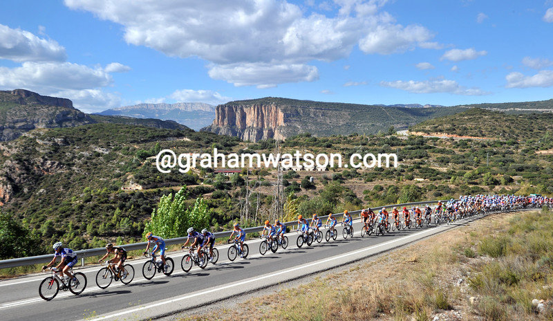 THE PELOTON ON STAGE TWELVE OF THE 2010 TOUR OF SPAIN