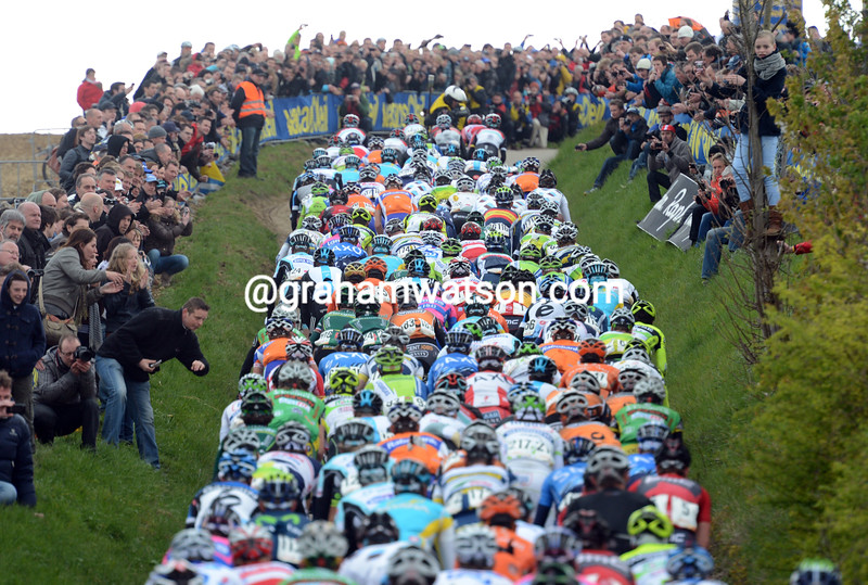 The peloton in the 2012 Amstel Gold Race