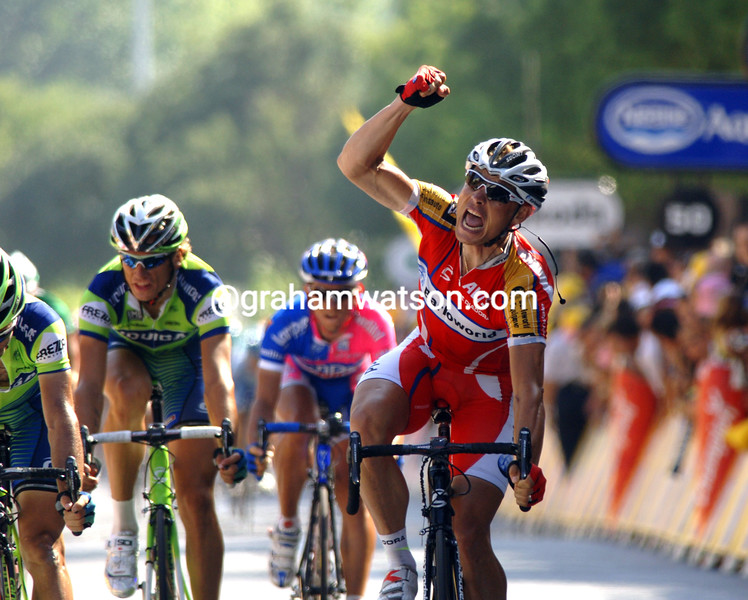 ROBERT HUNTER WINS STAGE ELEVEN OF THE 2007 TOUR DE FRANCE