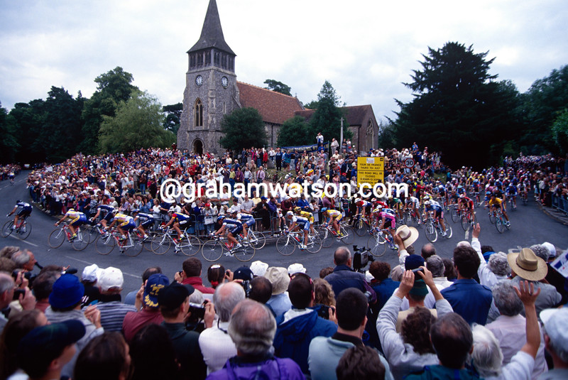 The 1994 Tour de France passes a village in Hampshire, UK