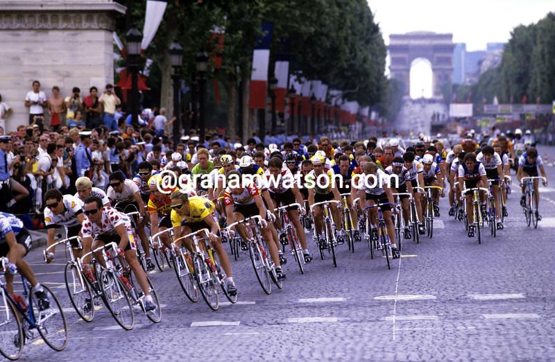 Cyclists in Paris in the 1986 Tour de France