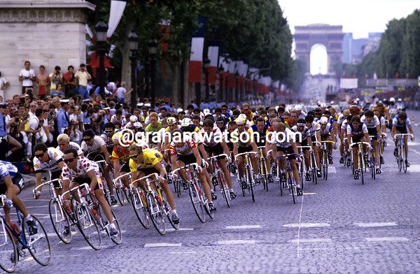 Cyclists in Paris in the 1986 Tour de France