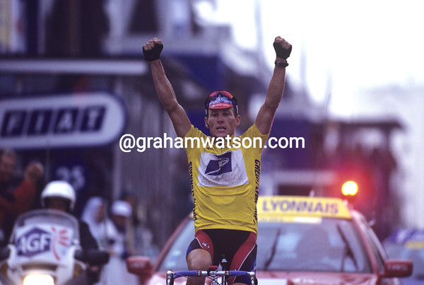 LANCE ARMSTRONG WINS A STAGE TO SESTRIERE IN THE 1999 TOUR DE FRANCE