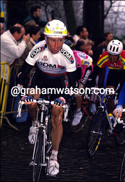 SEAN KELLY IN THE 1990 HET VOLK
