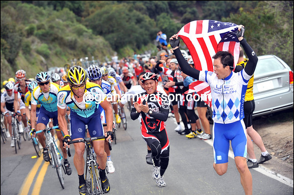LANCE ARMSTRONG FANS ON STAGE SEVEN OF THE 2009 TOUR OF CALIFORNIA