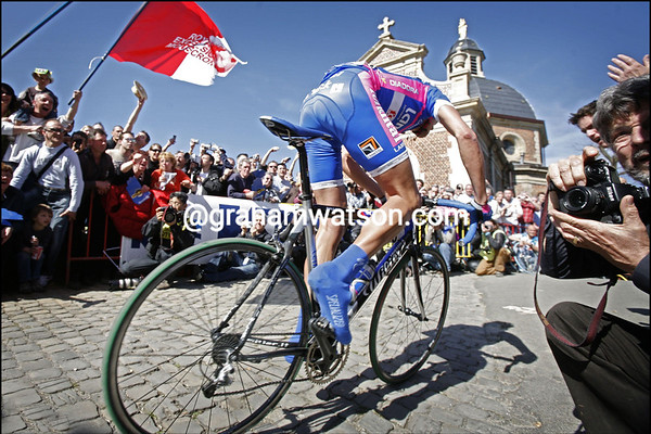 ALESSANDRO BALLAN ATTACKS IN THE 2007 TOUR OF FLANDERS