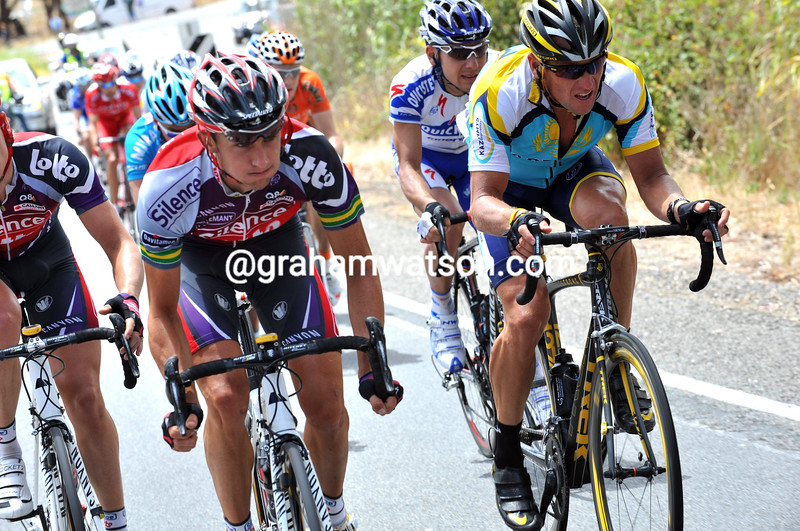 MATTHEW LLOYD AND LANCE ARMSTRONG LEAD AN ESCAPE ON STAGE THREE OF THE 2009 TOUR DOWN UNDER