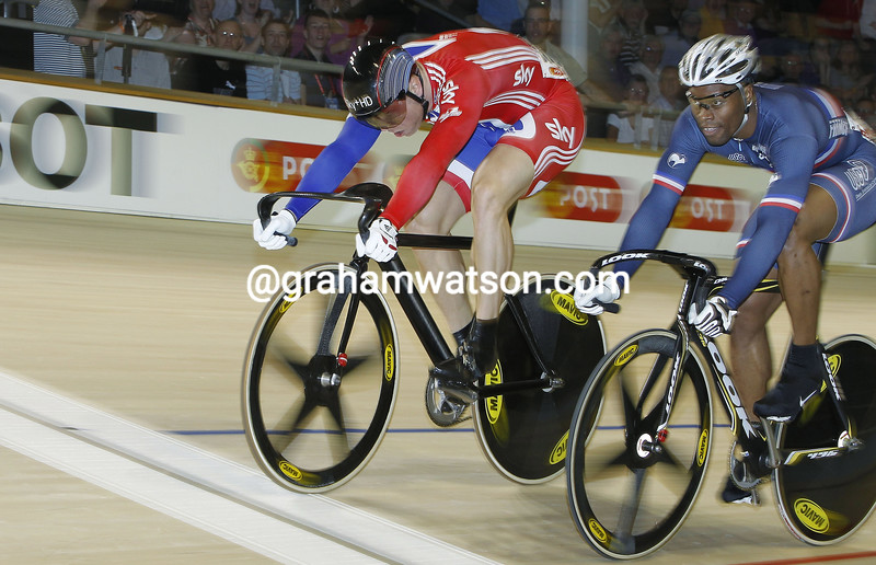 CHRIS HOY AND GREGORY BAUCH IN THE MENS SPRINT