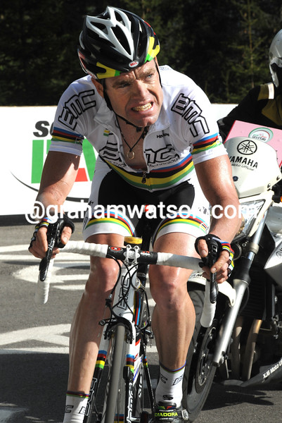 CADEL EVANS  ON STAGE FIFTEEN OF THE 2010 GIRO D'ITALIA