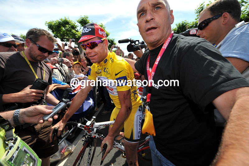CADEL EVANS AND SERGE BORLEEE ON STAGE ELEVEN OF THE 2008 TOUR DE FRANCE