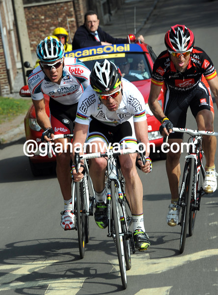 PHILIPPE GILBERT AND CADEL EVANS IN THE 2010 LIEGE-BASTOGNE-LIEGE