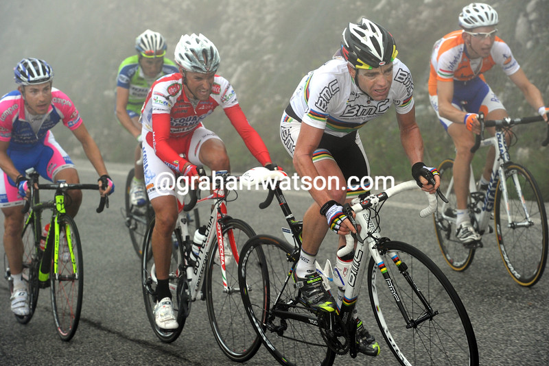 CADEL EVANS ON STAGE EIGHT OF THE 2010 GIRO D'ITALIA