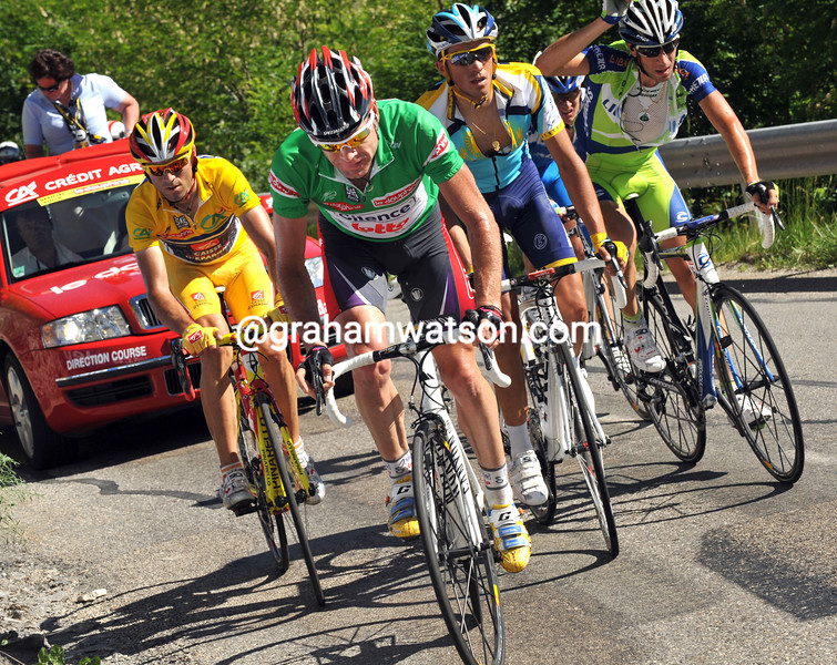 CADEL EVANS ATTACKS ON STAGE SEVEN OF THE 2009 DAUPHINE-LIBERE
