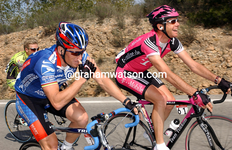 LANCE ARMSTRONG AND CADEL EVANS AT THE 2003 TOUR OF MURCIA