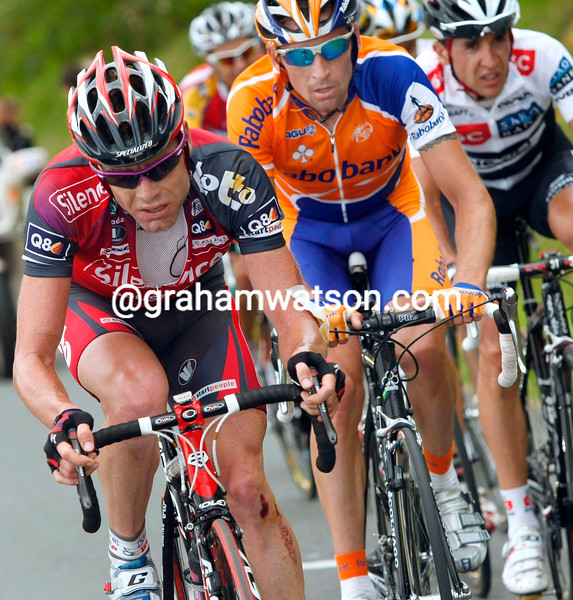CADEL EVANS LEADS ON STAGE TEN OF THE 2008 TOUR DE FRANCE