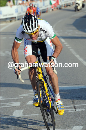 CADEL EVANS ATTACKS IN THE 2009 WORLD ROAD CHAMPIONSHIPS