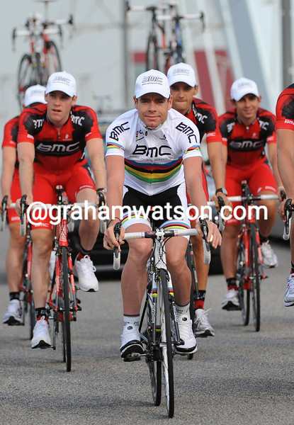 CADEL EVANS AND HIS BMC TEAM AT THE 2011 Tour de France