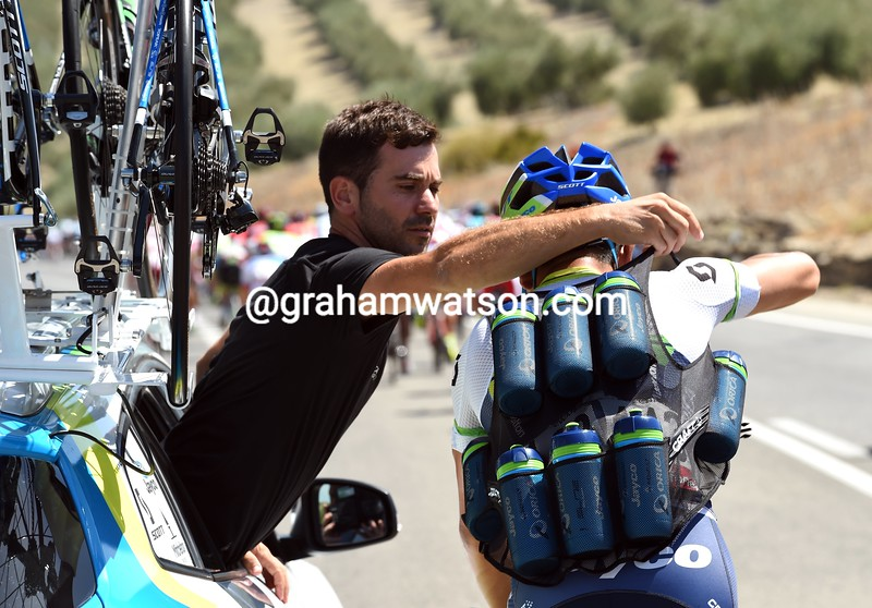 Caleb Ewan loads up with water bottles on stage six of the 2015 Tour of Spain