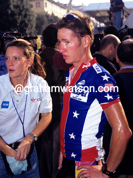 Chann McRae with Emma O'Reilly at the 1999 World Championships