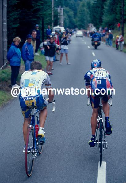 Chris Boardman catches Vandenbroucke in a 1997 Tour de France TT