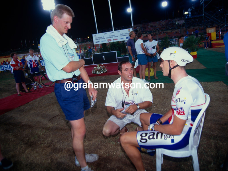 Peter Keen and Chris Boardman in the 1994 World Track Championship, with Roger Lejeay