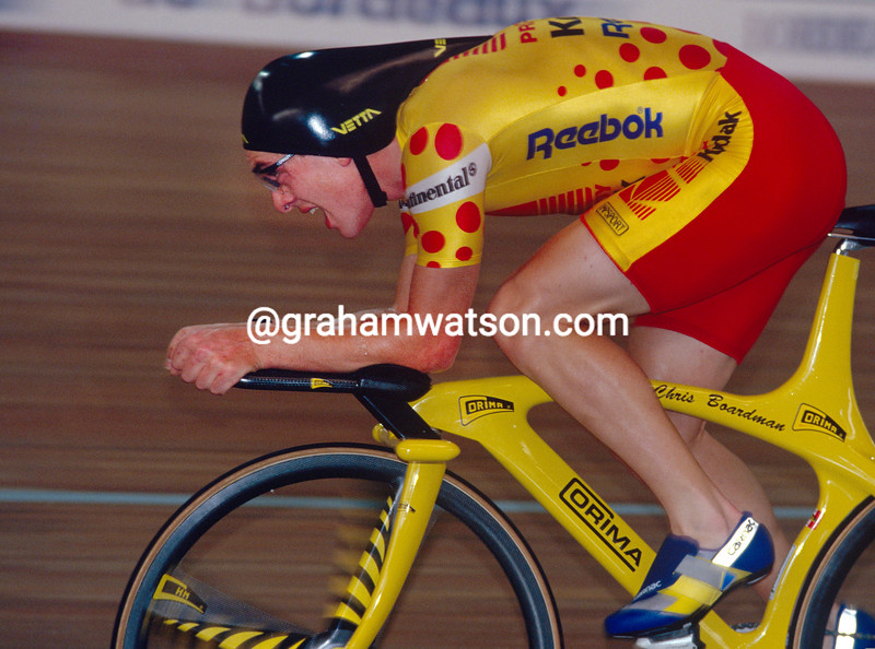 Chris Boardman beats the Hour Record in 1993