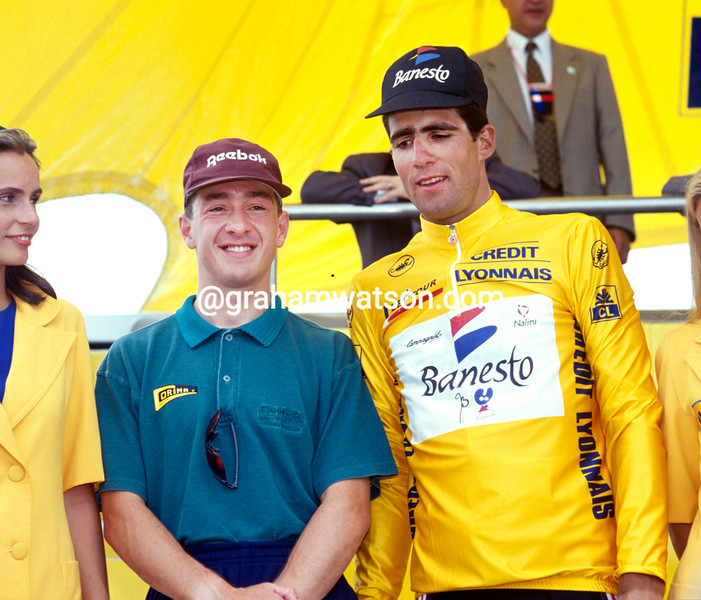 Chris Boardman poses with Miguel Indurain in the 1993 Tour de France, after beating the Hour record a few hours befoire