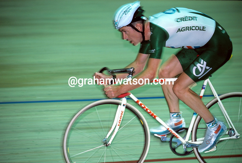 Chris Boardman in the 2000 Hour record attempt in Bordeaux