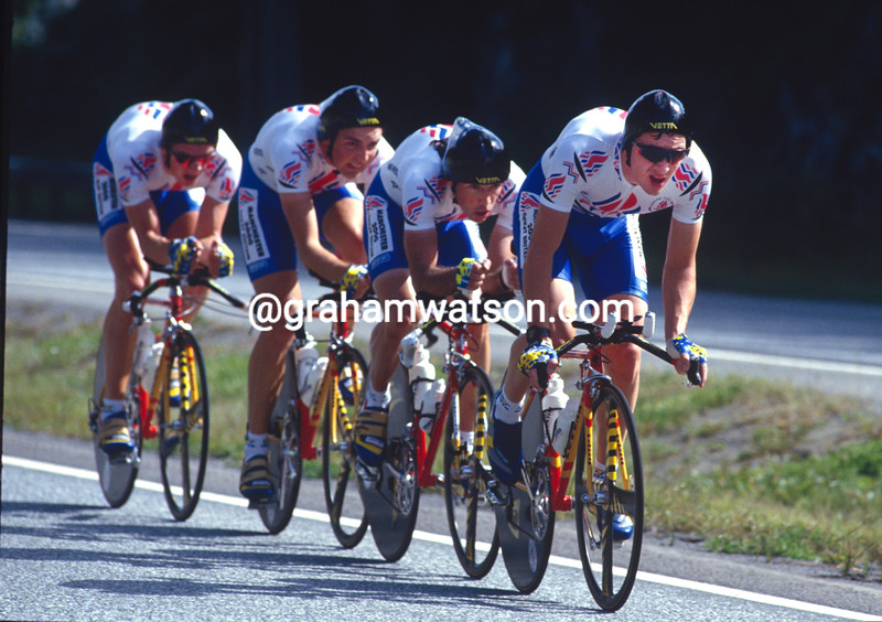 Chris Boardman leads the GB team n the 1991 World TTT Championships