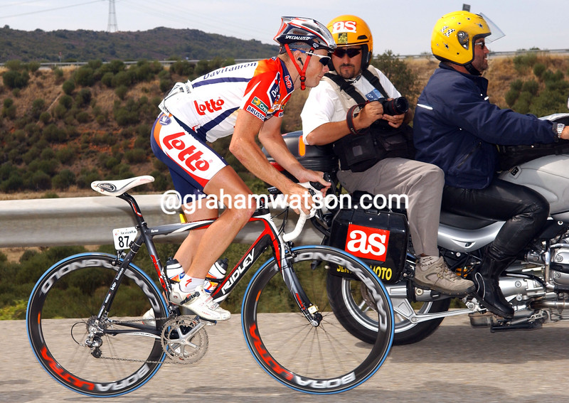 CHRIS HORNER CLIMBING DURING THE 2006 TOUR OF SPAIN