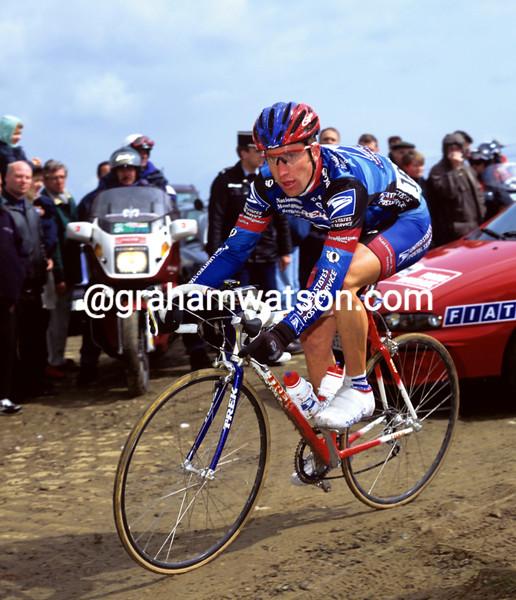 Christian VandeVelde in the 1999 Paris-Roubaix