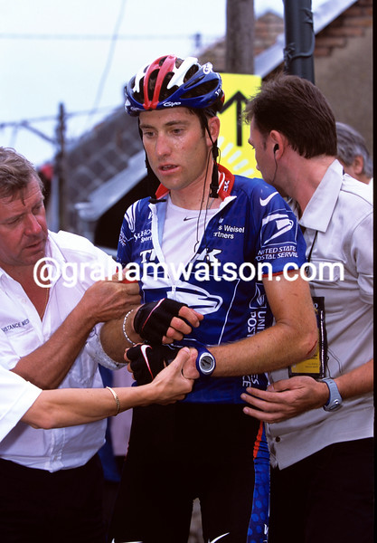 Christian VandeVelde has crashed in the 2001 Tour de France