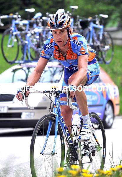 CHRISTIAN VANDE VELDE LEADS AN ESCAPE ON STAGE FOURTEEN OF THE 2008 GIRO D'ITALIA