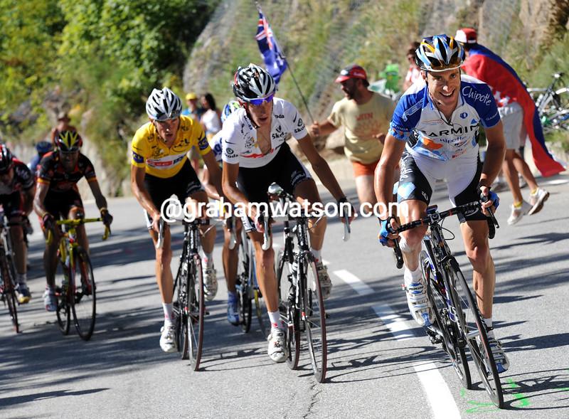 CHRISTIAN VANDE VELDE ATTACKS ON STAGE SEVENTEEN OF THE 2008 TOUR DE FRANCE