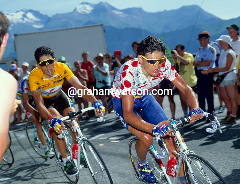 Claudio Chiappucci leads Miguel Indurain in the 1992 Tour de France