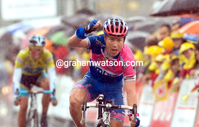 DAMIANO CUNEGO WINS STAGE FIVE OF THE 2009 TOUR OF THE BASQUE COUNTRY
