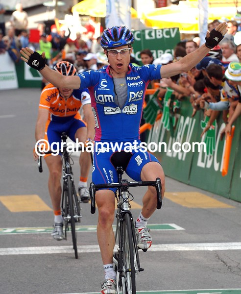 Damiano Cunego wins a stage in the 2005 Tour de Romandie