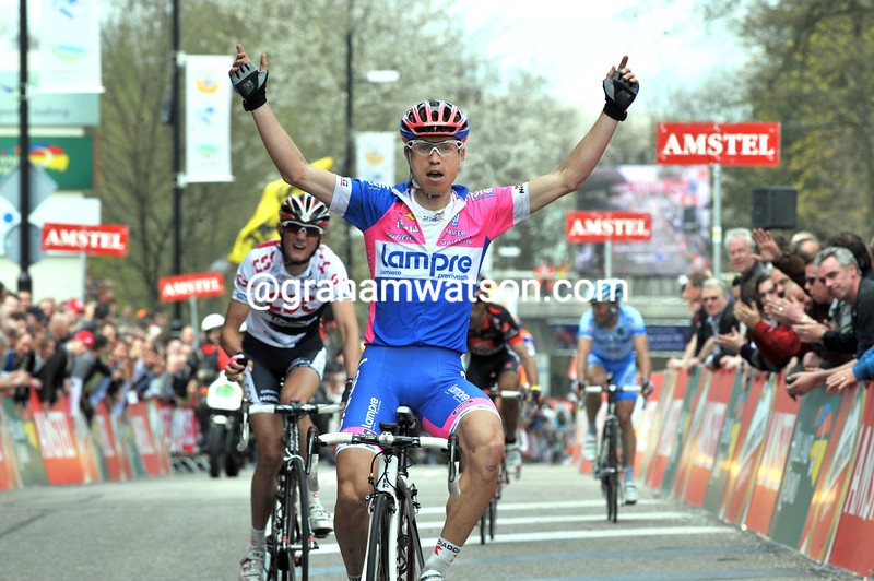 DAMIANO CUNEGO WINS THE 2008 AMSTEL GOLD RACE
