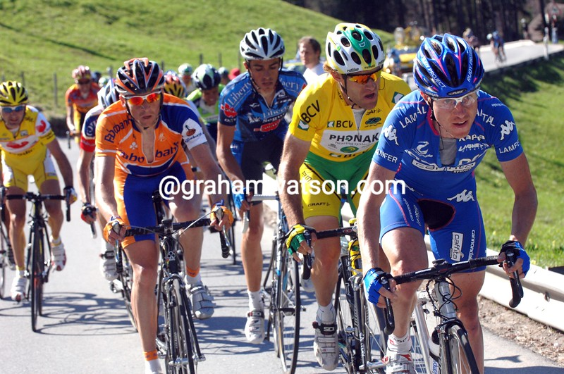 Damiano Cunego on a stage in the 2005 Tour de Romandie