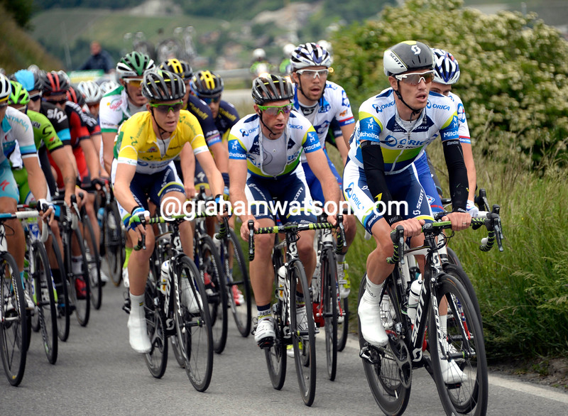Daryl Impey chases on stage two of the 2013 Tour de Suisse