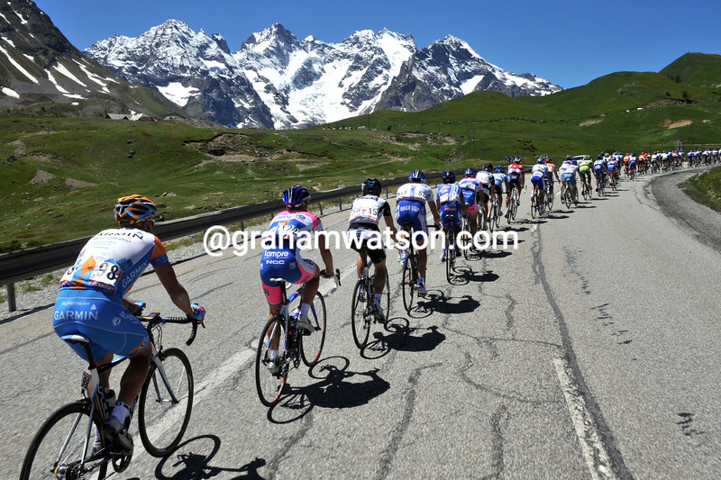 THE PELOTON CLIMBS THE COL DE LAUTARET IN THE 2009 DAUPHINE-LIBERE