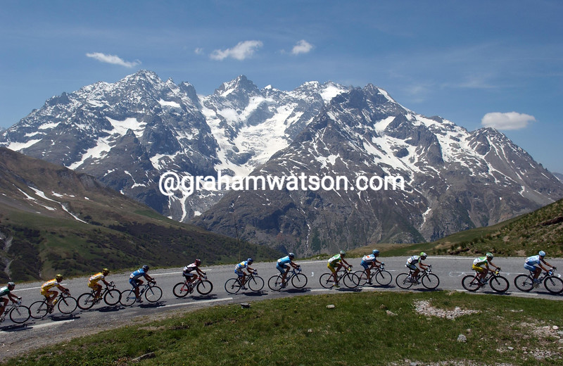 THE PELOTON CLIMBS THE COL DU GALIBIER  IN THE 2006 DAUPHINE-LIBERE